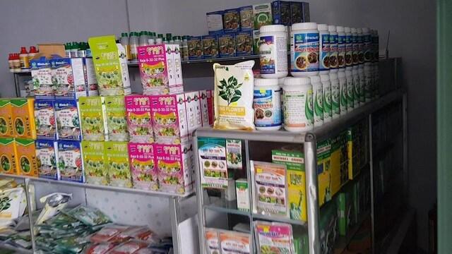 Các cửa hàng vật tư nông nghiệp lớn cung cấp rất nhiều sản phẩm phân bón lá